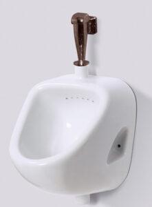Писсуар с наружным подводом воды